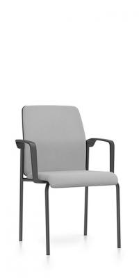 Interstuhl vierpootsstoel met armleggers 4S50
